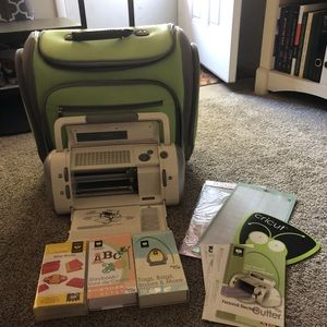 Cricut personal cutter with extras!!!